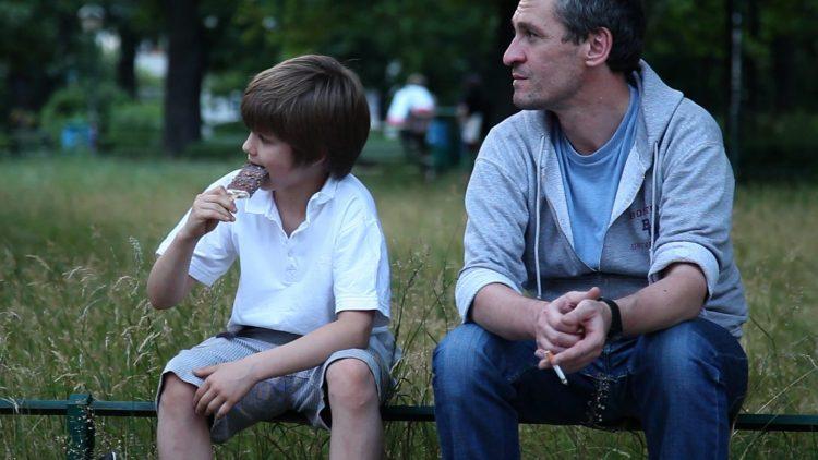 Sein Sohn Jasper ist Stephans einziger Lichtblick im Leben.