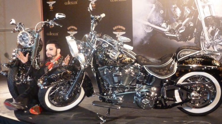Das Bike kostet 89.000 Euro, a Schnäppchen!