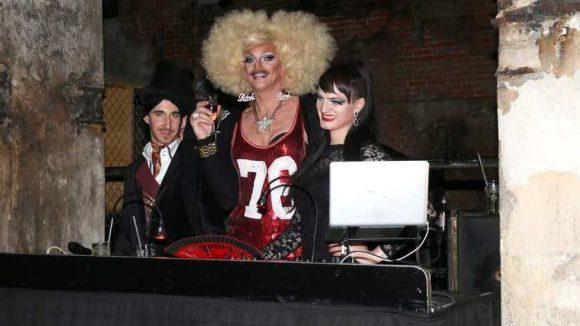 ... Gloria Viagra und ihre DJ-KollegInnen sorgten für Stimmung ...