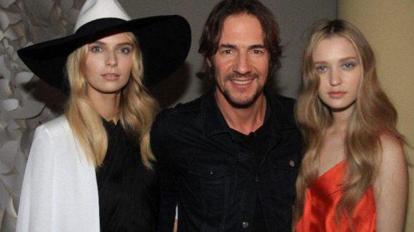 Thomas Hayo mit Jolina und Ivana aus der nächsten Topmodel-Staffel, die übrigens am 6. Februar startet.