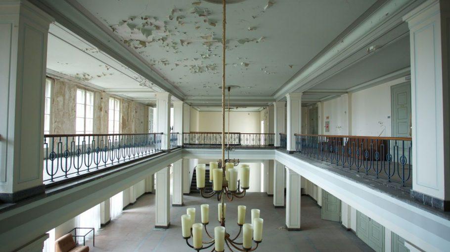Der Betrieb der ehemaligen Jugendhochschule der FDJ am Bogensee kostet jährlich 250.000 Euro. Die Sanierungskosten dürften um einiges höher liegen.