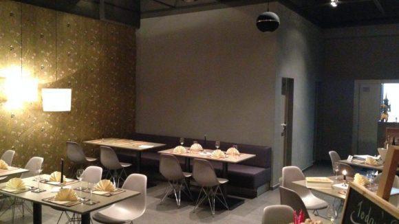 Der Gastraum des Golden Thai, das in den Räumlichkeiten des Hotels Big Mama residiert.