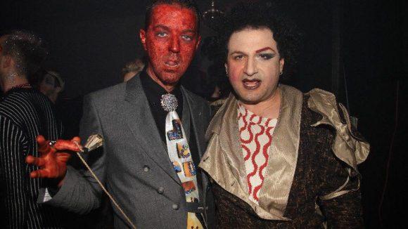 ... feiert man im Urban Spree ganz schrill die Schauspiel-Agentur Imperium. Mit dabei: Stylist Gregor Marvel (der Rote) und Designer JuanOfakind ...