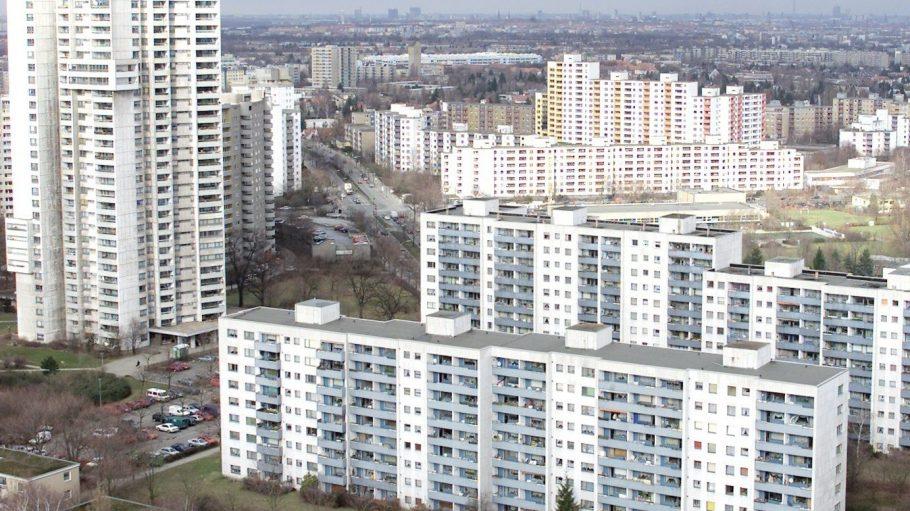 Das Panorama der Gropiusstadt ist von Hochhäusern geprägt.