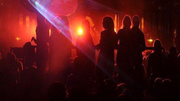Die Introducing-Reihe holt neue Künstler in die Clubs.