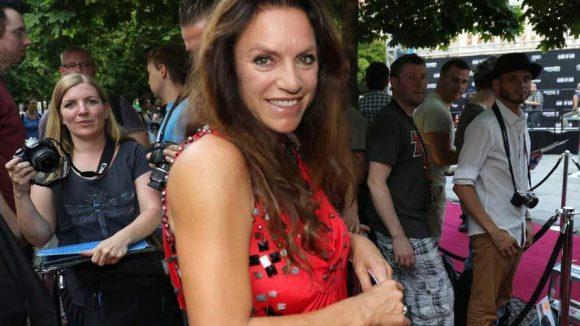 """... Christine Neubauer, die gerade für die fünfte Staffel von """"München 7"""" vor der Kamera steht, ..."""