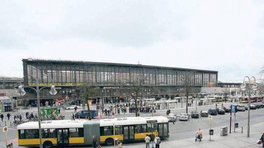 Der Hardenbergplatz vor dem Bahnhof Zoo.