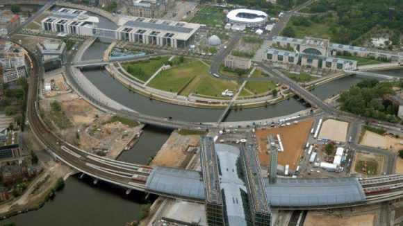 Zur Eröffnung des neuen Hauptbahnhofs sah das Areal wirklich noch sehr brach aus. Nun entsteht vielerorts neues - oder eben auch nicht.