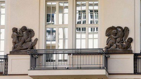 Alle Wohnungen des Komplexes haben einen Balkon.