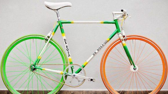 Hello World wird es nie zu bunt: Dieses Single Speed Bike von De Rosa kann man für 32,99 Euro / Tag ausleihen.