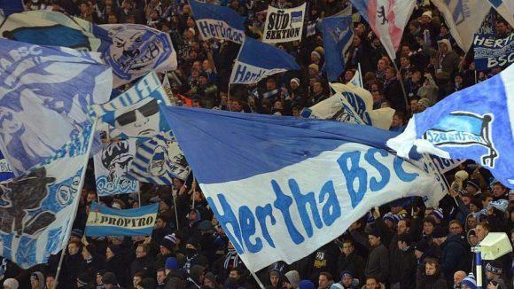 Die Hertha-Fans 'dürfen' im Olympiastadion bald ohne Bargeld bezahlen.