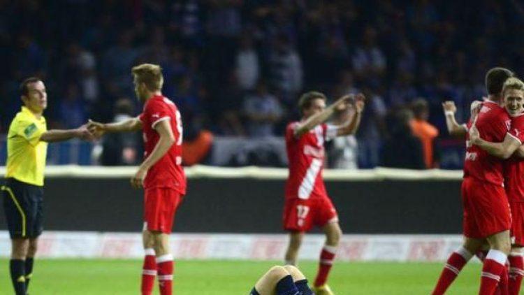 Unerwartete Sieger: Fortuna Düsseldorf gewinnt das Relegations-Hinspiel gegen Hertha BSC in Berlin mit 2:1.