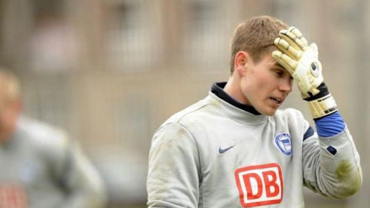 Auch Hertha-Torhüter Thomas Kraft dürfte den Verein im Abstiegsfall verlassen.