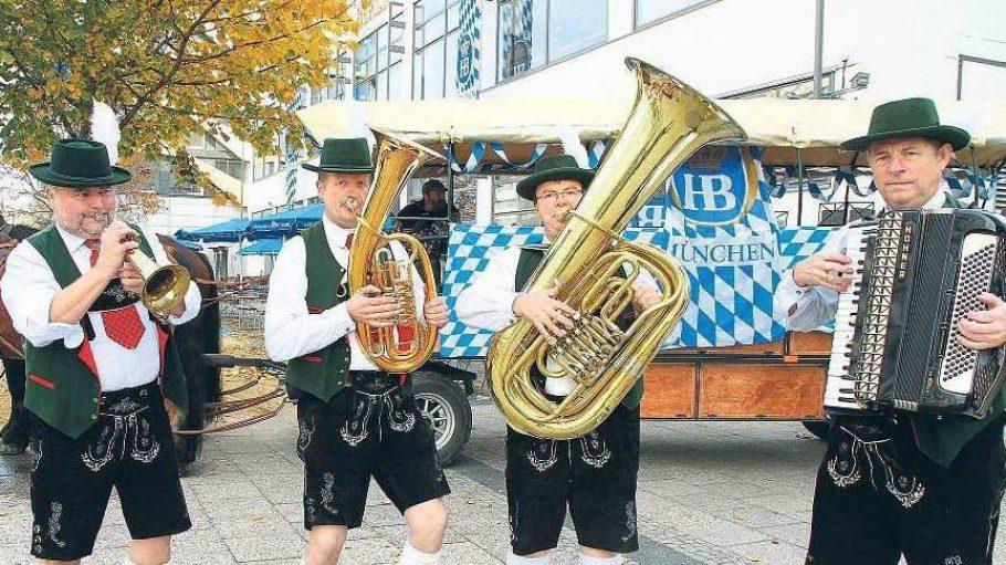 Ein Prosit auf die weiß-blaue Gemütlichkeit, die nun auch in Berlin angekommen ist.