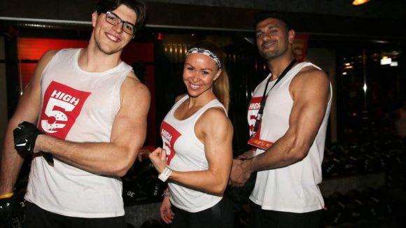 ... sowie Jag Bal (rechts) und Nicolai Schumann von den Berlin Adlers mit der deutschen Bodybuilding-Meisterin Alex Hipwell.