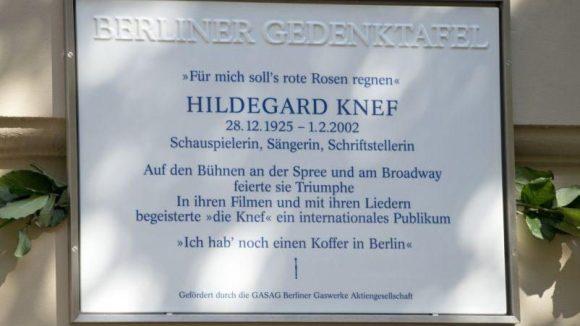 Die Gedenktafel ziert Hildes erstes Wohnhaus in der Leberstrasse in Schöneberg.