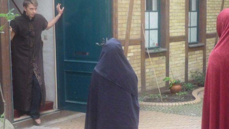 """In der Remise der Waldemarstraße 39 in Kreuzberg ist ab Mittwoch Shakespeares """"Macbeth"""" zu Gast."""