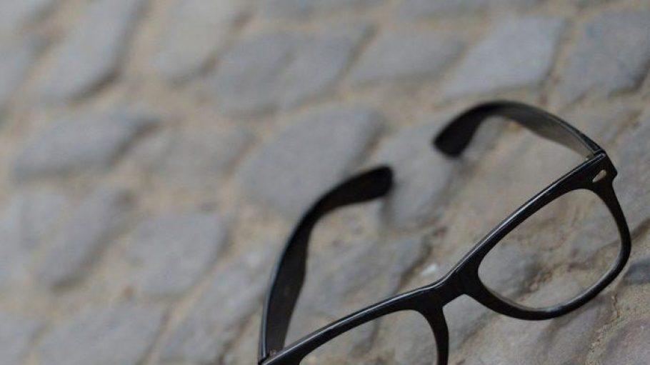 Teilnehmer des berlinweit ersten Hipster WinterCup sollten sich zumindest zeitweise von der geliebten Hornbrille trennen.