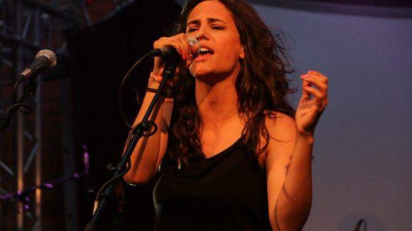 Auftritt auf der Bühne: Die großartige österreichische Sängerin Anna F.