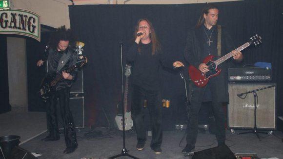 Eine Black Sabbath-Coverband sorgte am Ende für einen nicht so beschaulichen Abend.