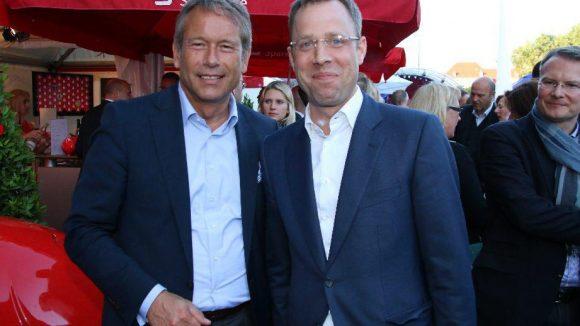 Geht doch: Finanzsenator Dr. Ulrich Nußbaum (l., für SPD) und Gesundheitssenator Mario Czaja (CDU) einträchtig nebeneinander.