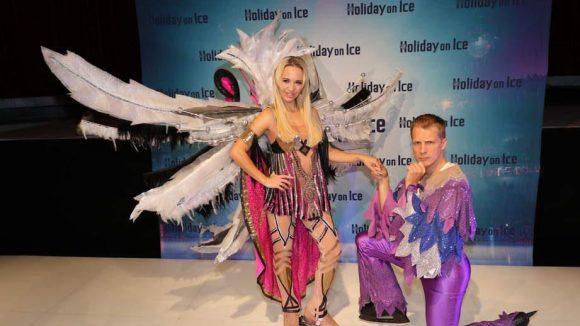 """Für """"Passion"""", die neue Show von """"Holiday on Ice"""", konnten die fünffache deutsche Einskunstlauf-Meisterin Annette Dytrt und Oliver Pocher als Moderator gewonnen werden. Natürlich waren die beiden auch bei der Vorstellung im Tempodrom dabei."""