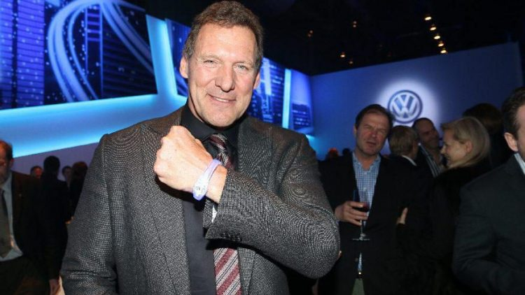 "Zeigt sein blinkendes Armband: Hollywood-Star Ralf Möller (""Gladiator"")."