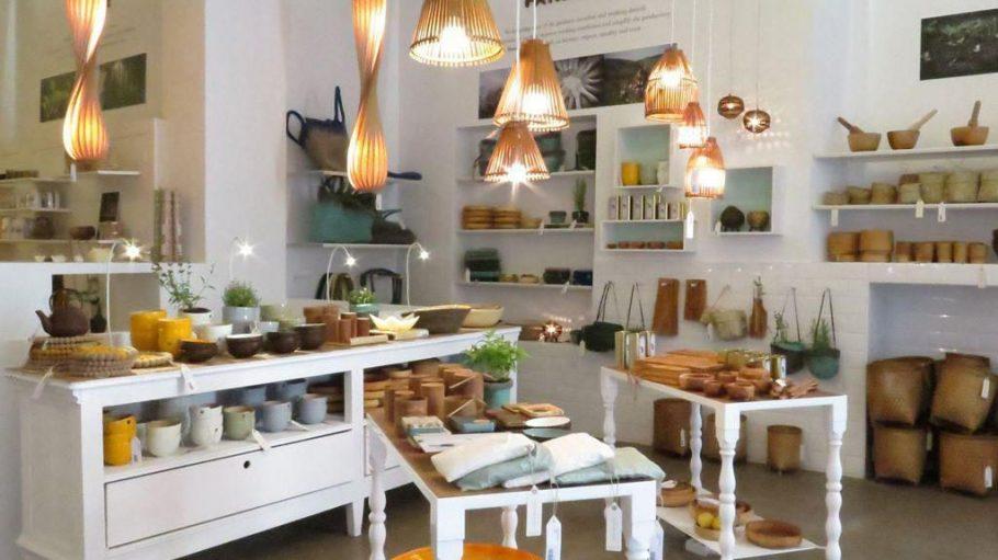 Shoppen mit gutem Gewissen: Egal, ob Lampe, Schüssel oder Tasche - bei home on earth gehen nur ökologisch korrekte Produkte über den Ladentisch.