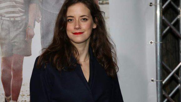 """Zum Feiern kam auch Schauspielerin Anja Knauer (""""Im weißen Rössl"""")."""