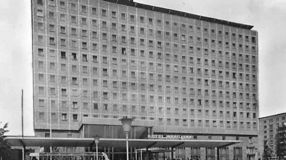 Das Hotel Berolina galt seinerzeit als eines der modernsten und besten Hotels der DDR.