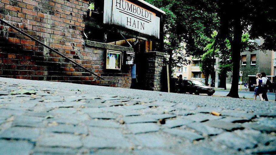 Der Humboldthain Club liegt direkt am gleichnamigen S-Bahnhof.