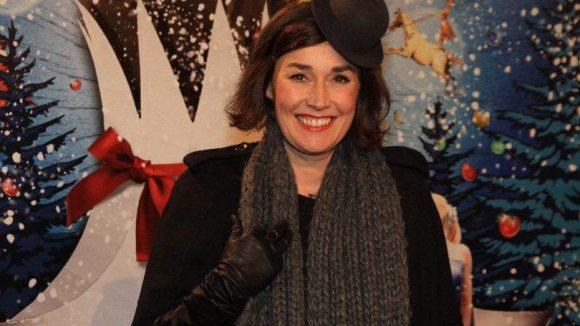 Natürlich nicht ohne Kopfbedeckung: Hut-Designerin Fiona Bennett.