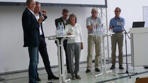 Bei der Info-Veranstaltung beantworteten die IGA-Planer und Experten die Fragen der Zuhörer.