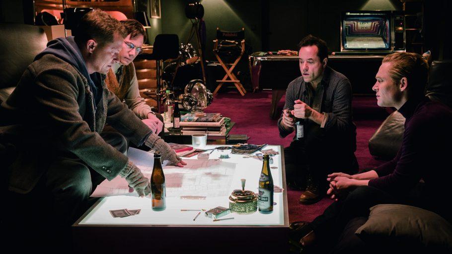 Chris (Til Schweiger), Tobias (Bully Herbig), Peter (Jan Josef Liefers) und Max (Matthias Schweighöfer) planen einen großen Coup.