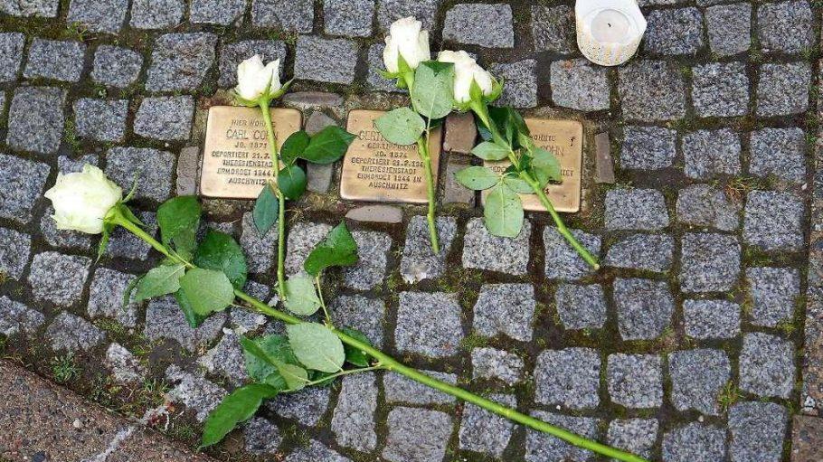 In Gedenken an die Opfer: Stolpersteine in der Dahlmannstraße.