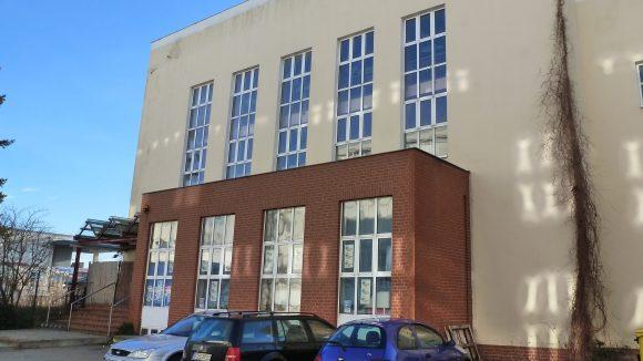 Das Gebäude des Indoorspielplatz Bambooland in Steglitz macht Lust auf mehr ...