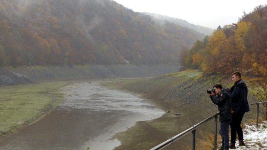 """Die Instagramer patheight und bokem0hn fotografieren gerade die schönsten Landschaften für naturtrip.org. Hier im UNESCO-Weltnaturerbe """"Buchenurwälder der Karpaten und Alte Buchenwälder Deutschlands""""."""