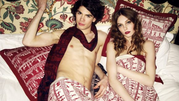 Mode für Männer und Frauen sowie Wohnaccessoires gehören zum Repertoire.