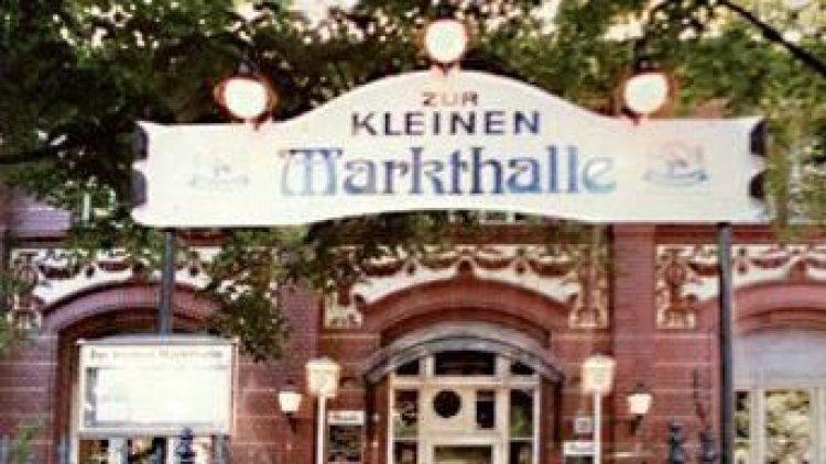 """Das Restaurant """"Zur kleinen Markthalle"""" befindet sich am Legiendamm 32 in Kreuzberg."""
