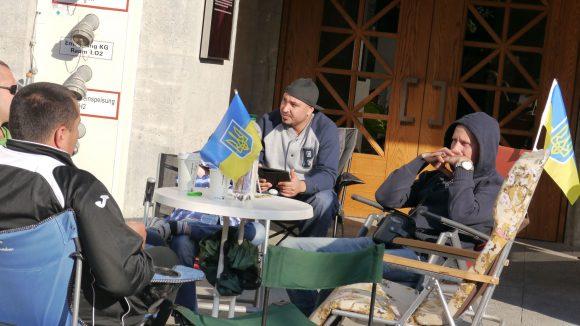 Die Ukrainische Delegation kommt in friedlicher Absicht.