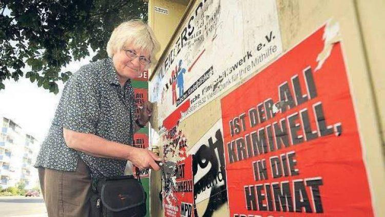 Irmela Mensah-Schramm ist jeden Tag im Einsatz, meist in Ost-Berlin, wie hier in Schöneweide.