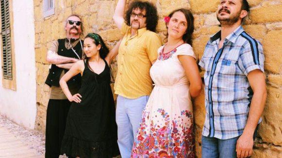 Baba Zula - die Istanbuler Koryphäen im Bereich des türkischen Psychedelic und Oriental Dub.
