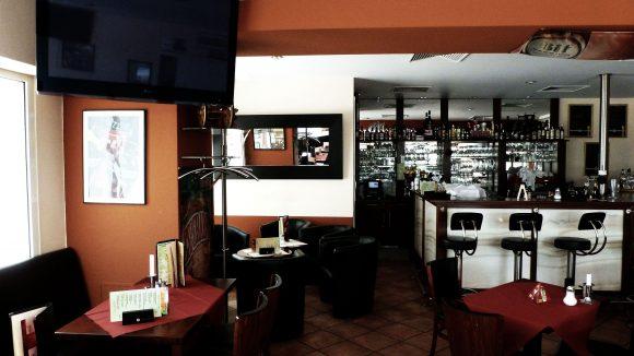 """Der dritte Raum von """"Marco Polo"""" ist vorwiegend eine Bar, in der immer wieder Sport-Events live übertragen werden."""