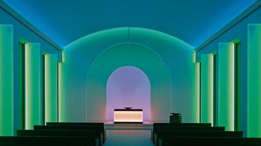 James Turells Lichtinstallation in der Kapelle des Dorothenstädischen Friedhofs.