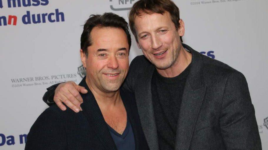 Die Stars des Filmes, Jan Josef Liefers (bekannt aus dem Tatort Münster) und Wotan Wilke Möhring, liefen zusammen über den roten Teppich und posierten für die Fotografen.