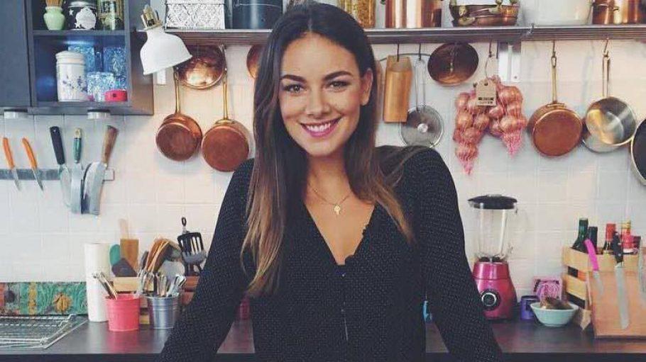 Schauspielerin und Foodie Janina Uhse kocht in dieser Küche für einen Facebook Channel zum Thema Essen.