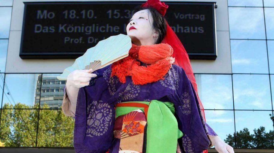 Was diesen Teil der japanischen Kultur betrifft: Den schaue ich mir auf dem Japanfestival in der Urania gerne nur an, ausprobieren werde ich wahrscheinlich was anderes.