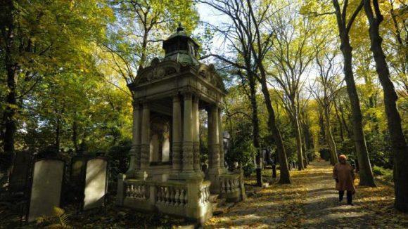 In Weißensee liegt der von der Fläche her größte erhaltene jüdische Friedhof in Europa.