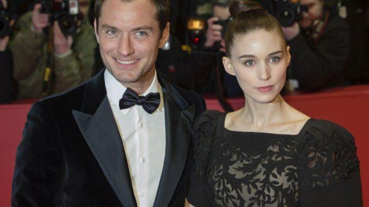 """Frauenschwarm Jude Law kam mit der Newcomerin Rooney Mara (""""The Girl with the Dragon Tattoo""""). Sie präsentierten ihren Film """"Side Effects""""."""