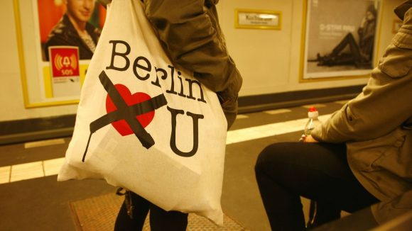 Berlin liebt mittlerweile wirklich nicht mehr alle. Vor allem Kreative haben es immer schwerer - wenn auch nicht in allen Bereichen. Brandenburg wird deutlich attraktiver.